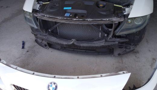 【BMW Z4(E85)】フロントバンパーの外し方